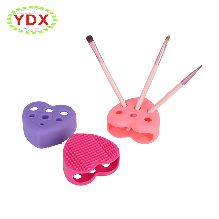 Professional makeup brush cleaning pad